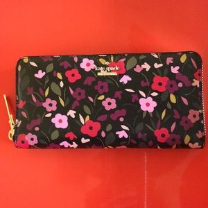 Kate Spade Cameron Street zippy wallet NWT